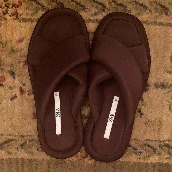 ZARA Neoprene Criss Cross Slip-on Sandals Size 8
